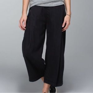 Lululemon can you feel the pleat wide leg pant